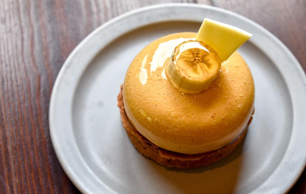 Café Karfaのケーキ「バナナとキャラメルのタルト」「モンブラン」
