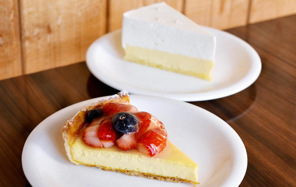 ケーキのジョージワシントン河口湖店のケーキ「ダブルチーズ」「プリンパイ」