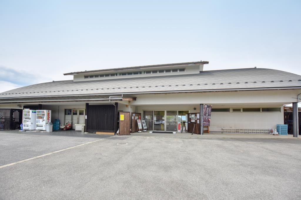 ゆうのう敷島 直売所1