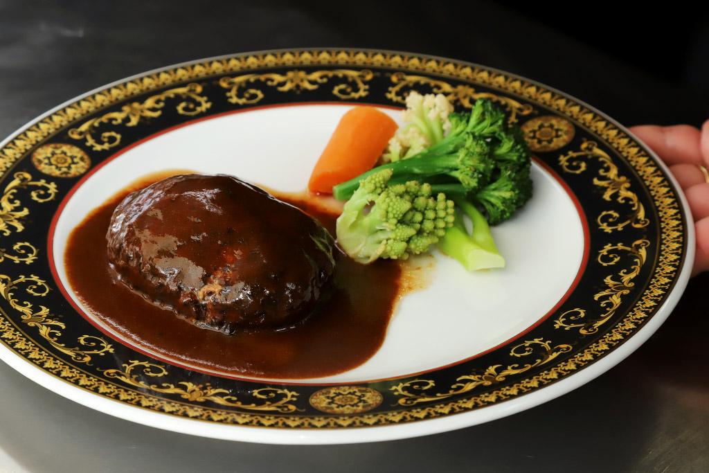 レストラン ボンマルシェのハンバーグ2