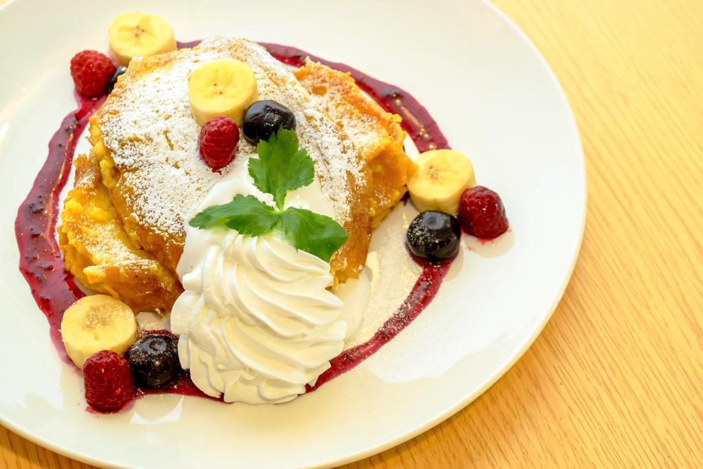 CAFE LA PAIX ベリーベリーバナナ生クリームフレンチトースト