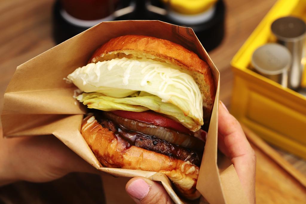 淡路島バーガーのハンバーガー
