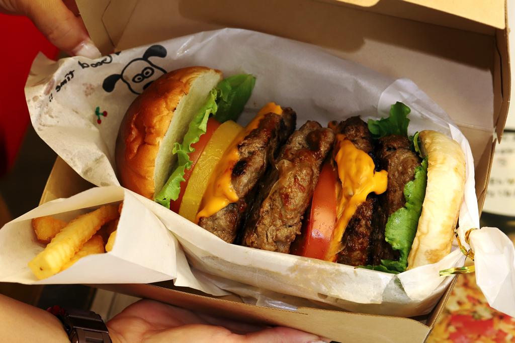 double double BURGER(ダボダボバーガー)のハンバーガー