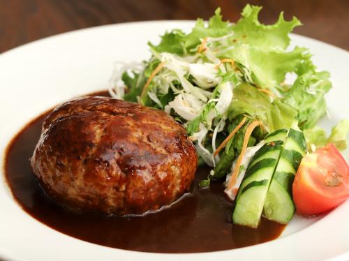 Pause Café Restaurant NANBA(ポーズカフェアンドレストランナンバ)のハンバーグ